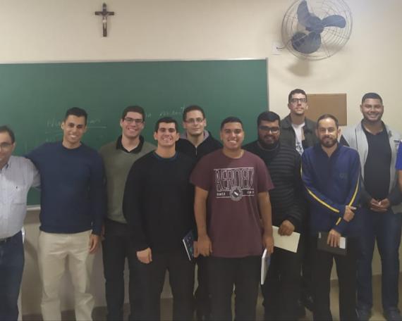Dr.Cabral e os seminaristas que participaram da formação